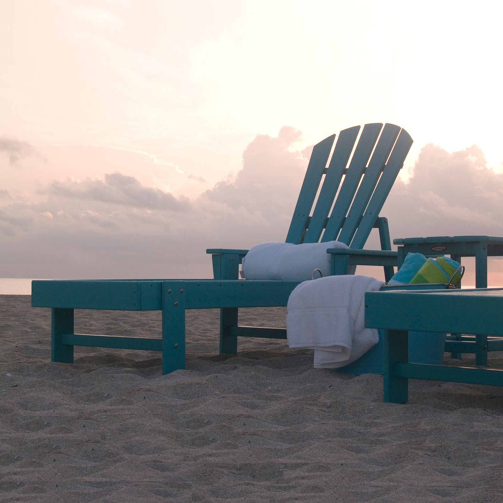 Polywood south beach chaise lounge south beach for Beach lounge chaise