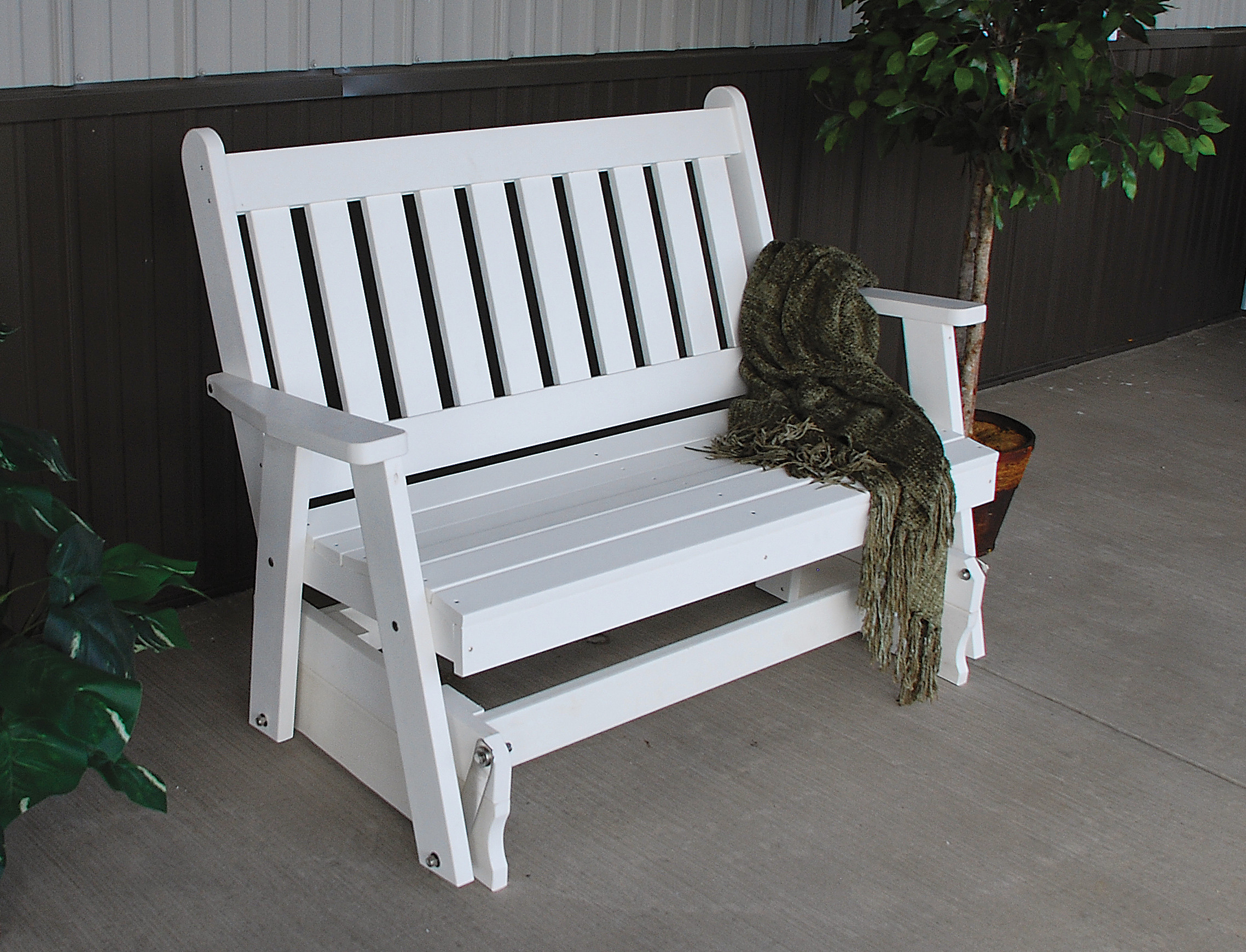 A&L Furniture 4 ft Poly Traditional English Glider