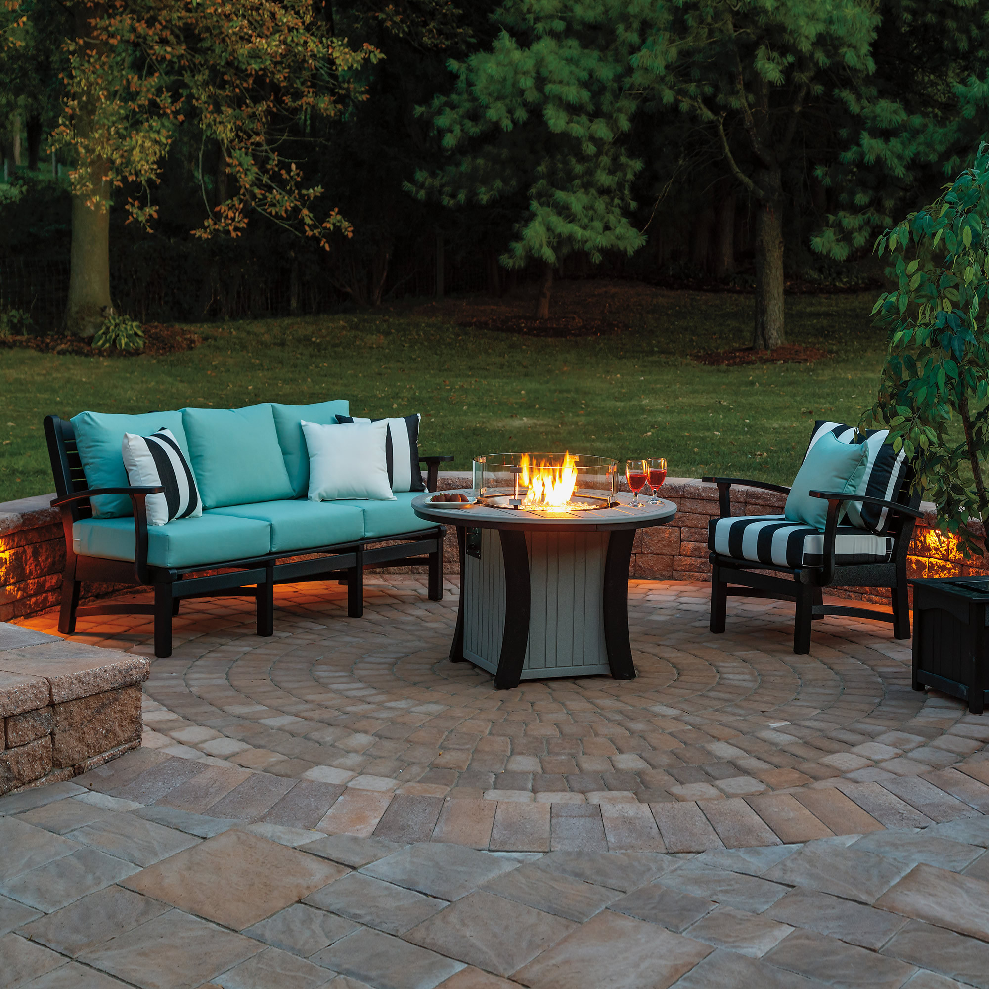 Casual Comfort Bay Shore 3pc Firepit Table Set