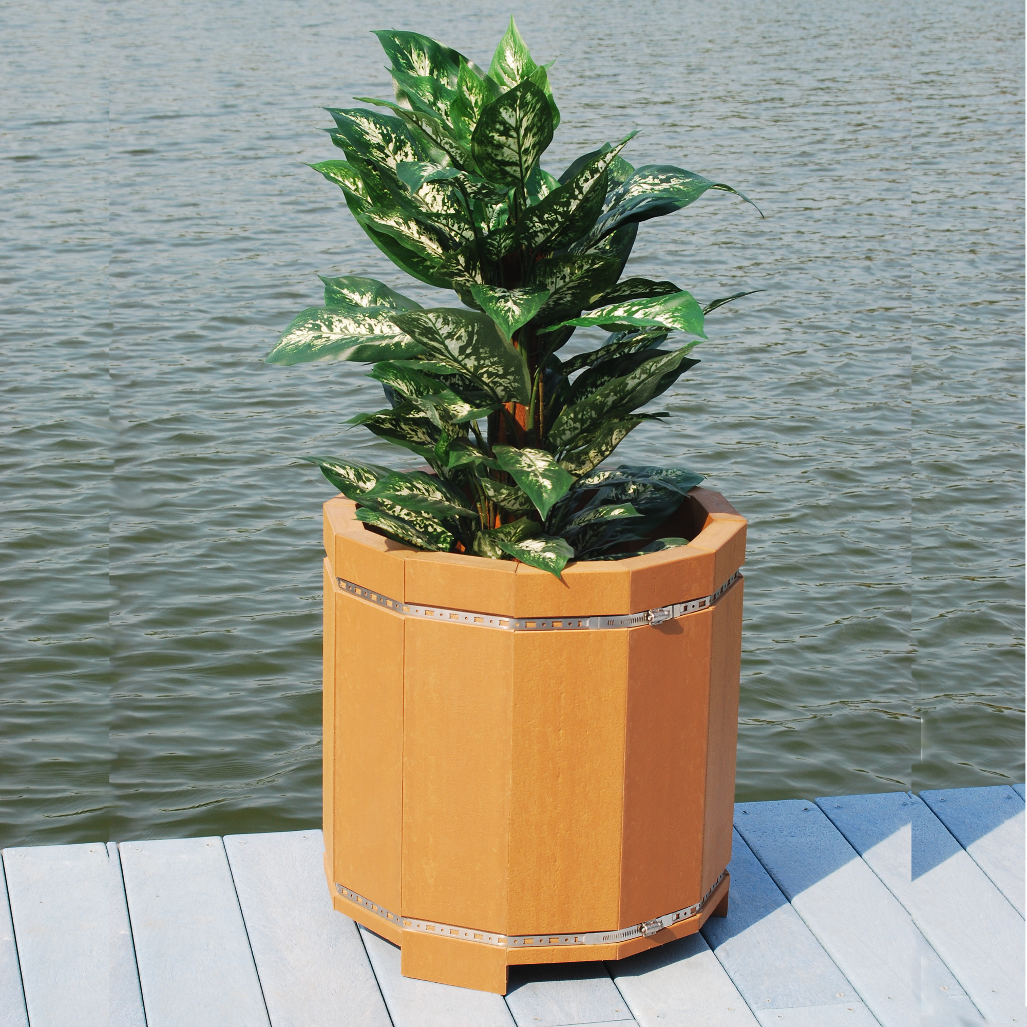 Planter 20 in