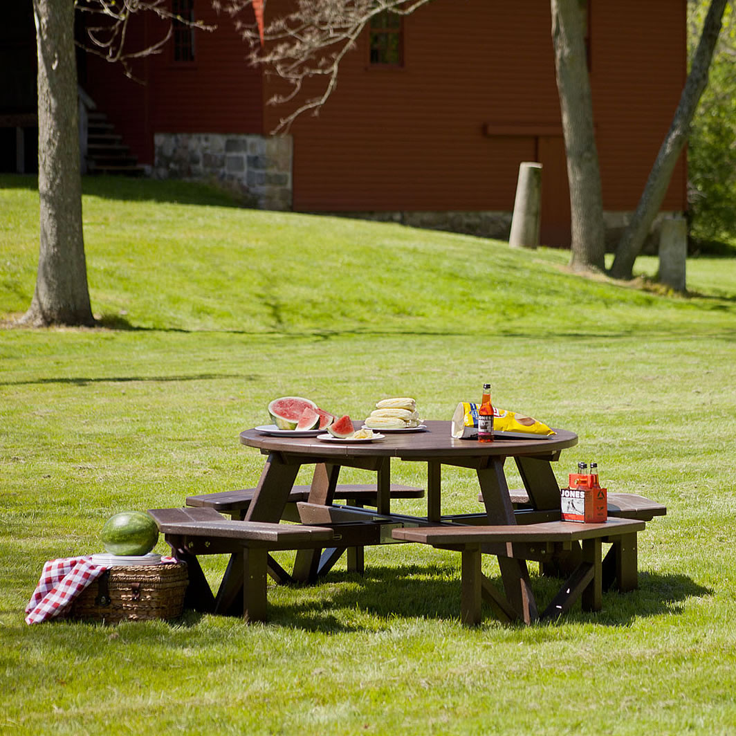 POLYWOOD Park 53 In Octagon Picnic Table