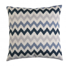 Amish Poly 19 in Throw Pillow
